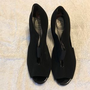Black suede shoes, open toes